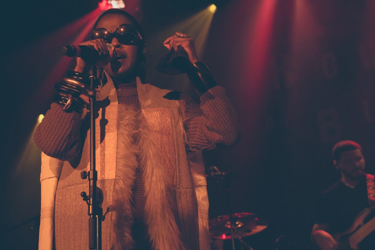 LaurynHill HOBChicago JFRANK 29 of 32 1230x820 Photos: Ms Lauryn Hill The MLH Caravan tour House of Blues Chicago