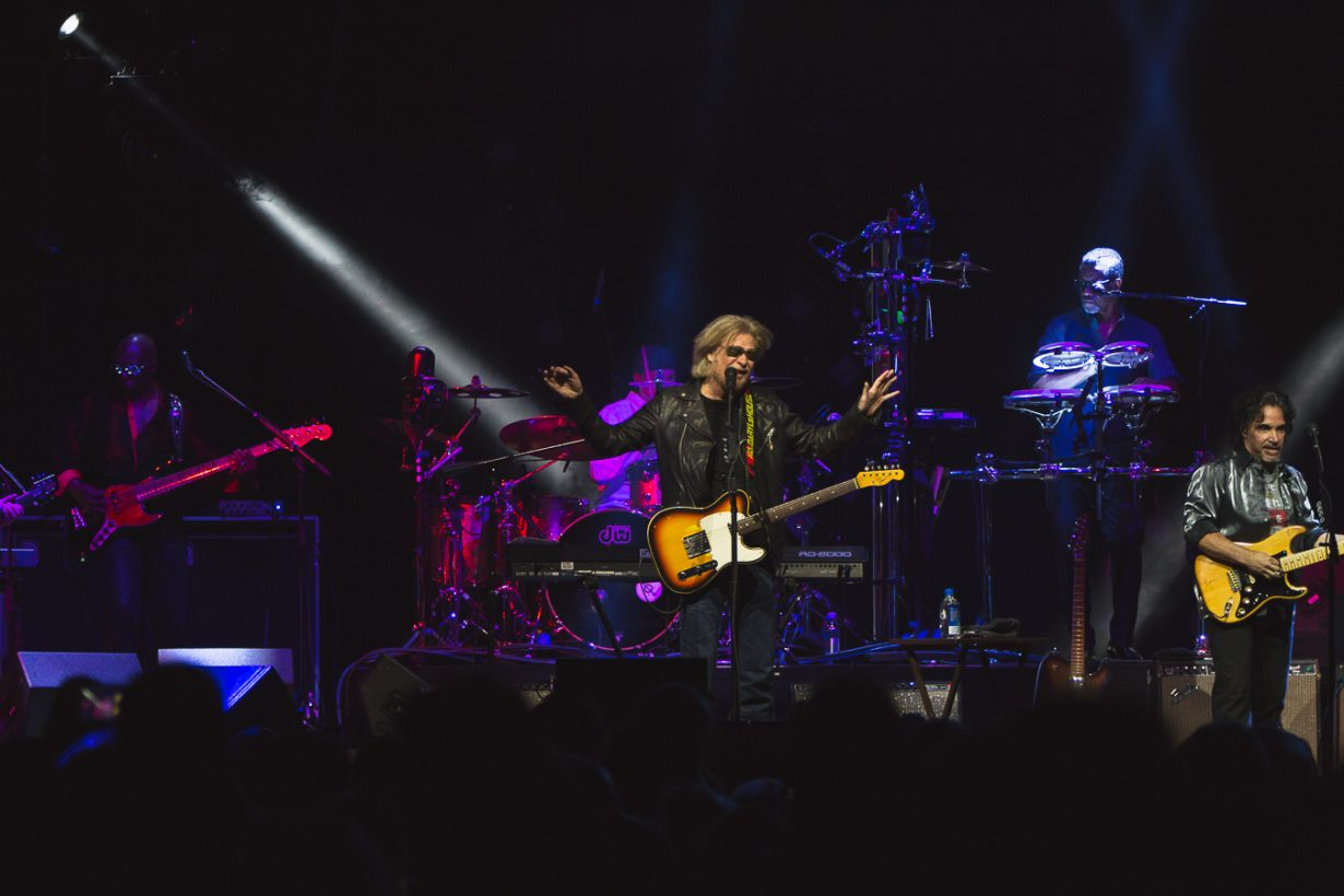 HallandOates AllstateArena JFRANK 1 1230x820 Review: Hall and Oates and Tears for Fears leave Chicago with an unforgettable throwback night