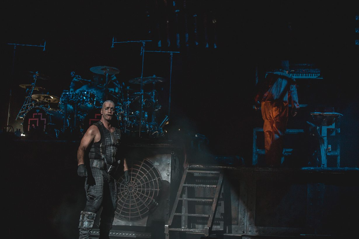 4I0A0533 1 1230x820 Rammstein breaths fire into the crowd at Hollywood Casino Amphitheater