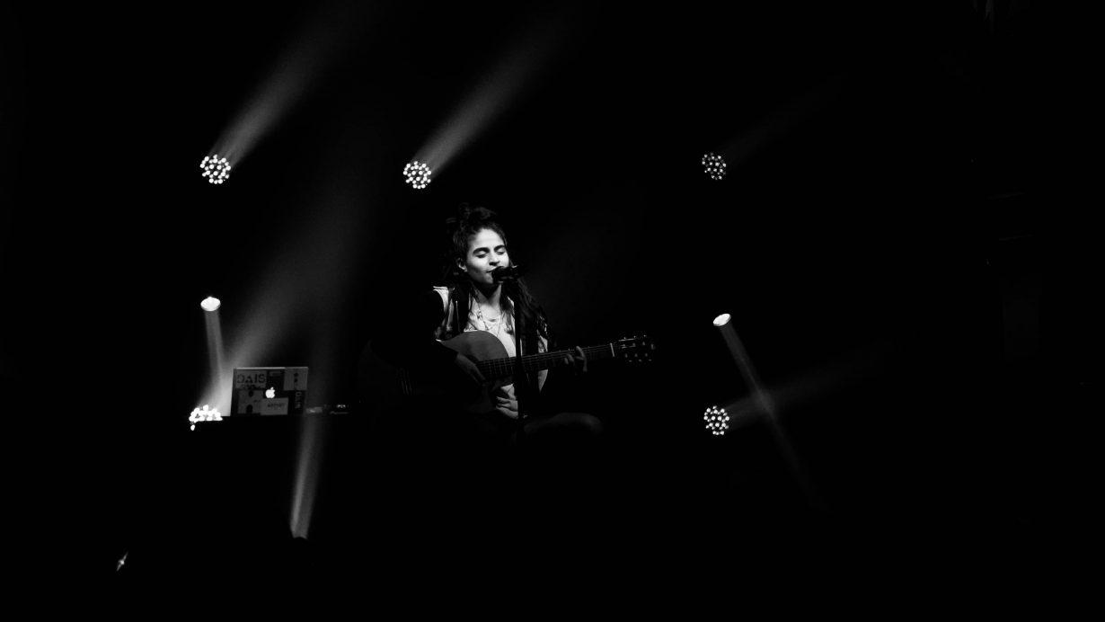 Jessie Reyez at Schubas. Photo Kevin Baker 3 1230x692 Jessie Reyez Kiddo Tour Was An Intimate Vibe at Schubas