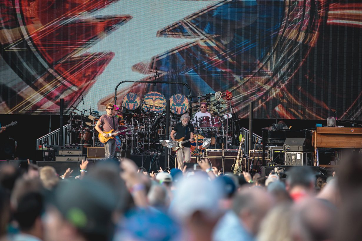 4I0A0621 1230x820 Dead and Company close out their Summer tour at Wrigley Field