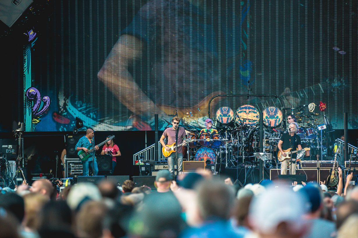 4I0A0639 1230x820 Dead and Company close out their Summer tour at Wrigley Field