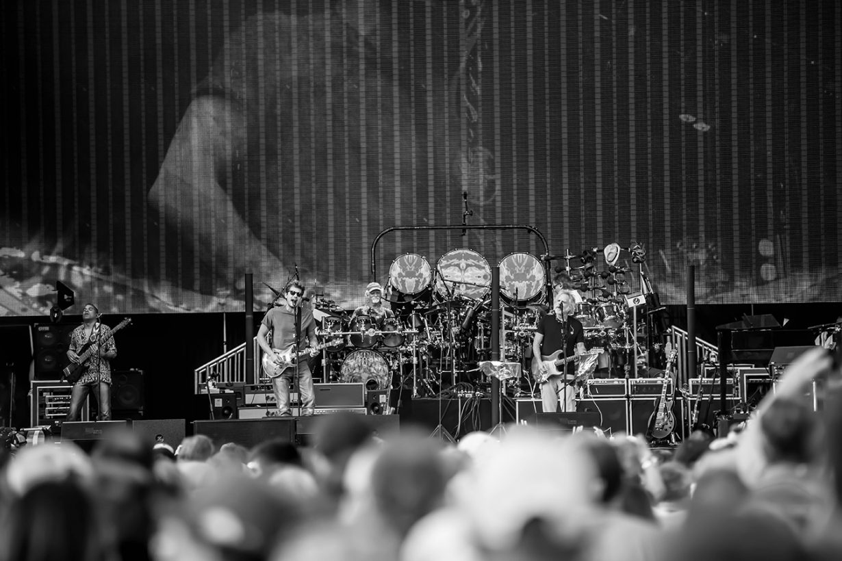 4I0A0650 1230x820 Dead and Company close out their Summer tour at Wrigley Field