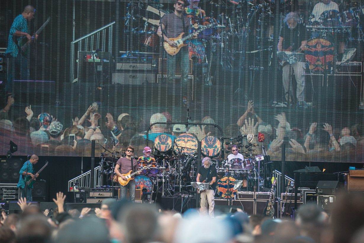 4I0A0701 1230x820 Dead and Company close out their Summer tour at Wrigley Field