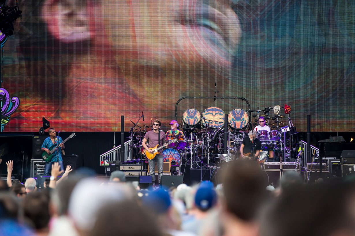 4I0A0720 1230x820 Dead and Company close out their Summer tour at Wrigley Field
