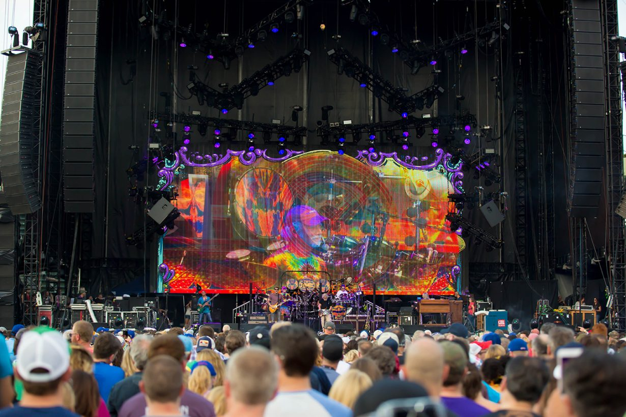 4I0A0739 1230x820 Dead and Company close out their Summer tour at Wrigley Field