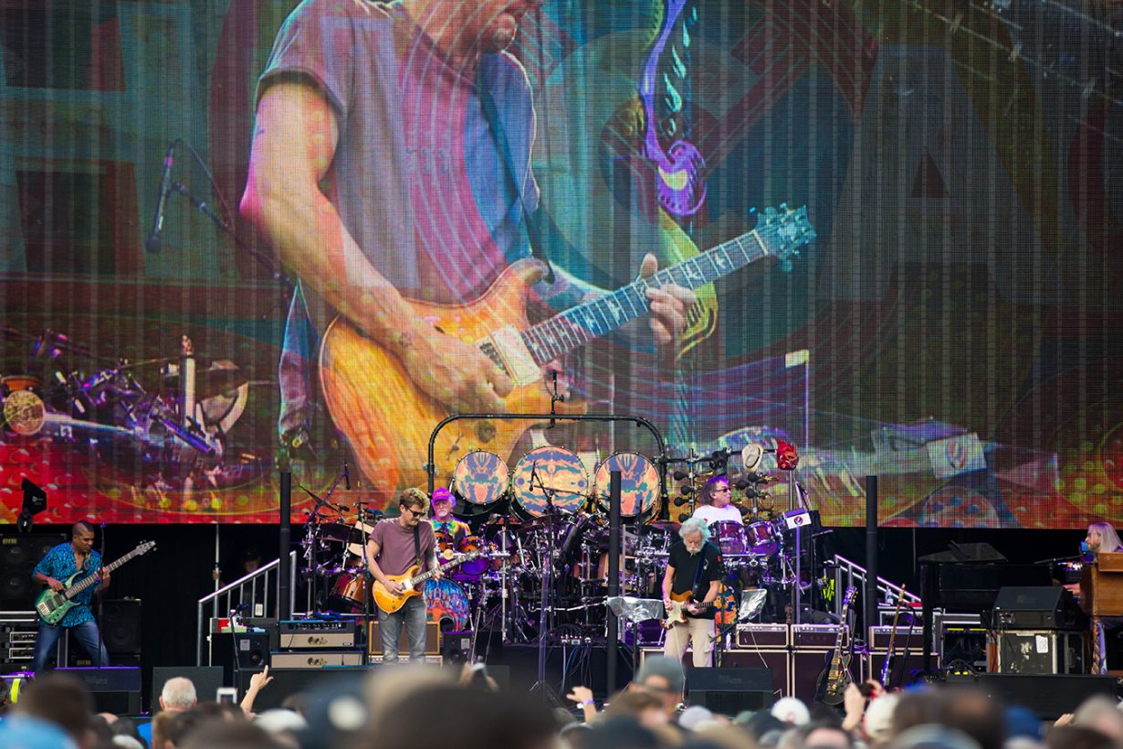 4I0A0760 1230x820 Dead and Company close out their Summer tour at Wrigley Field