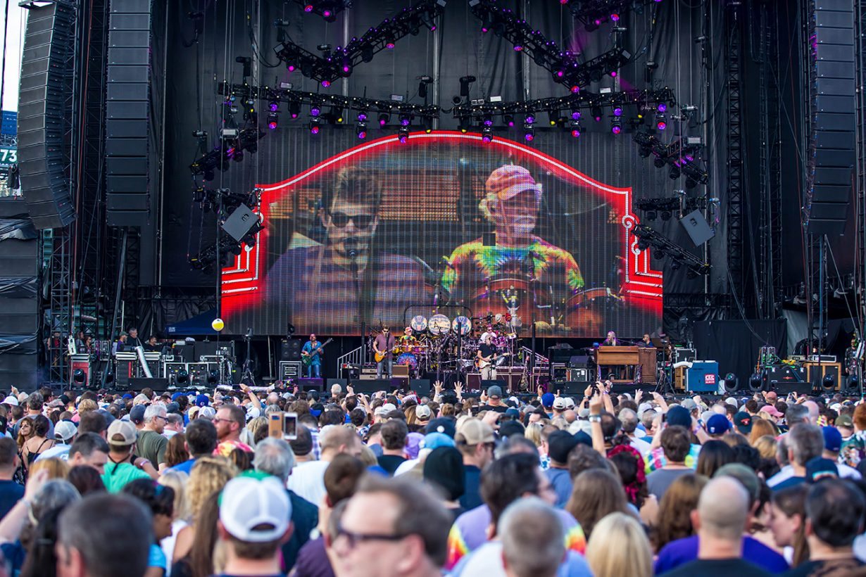 4I0A0927 1230x820 Dead and Company close out their Summer tour at Wrigley Field