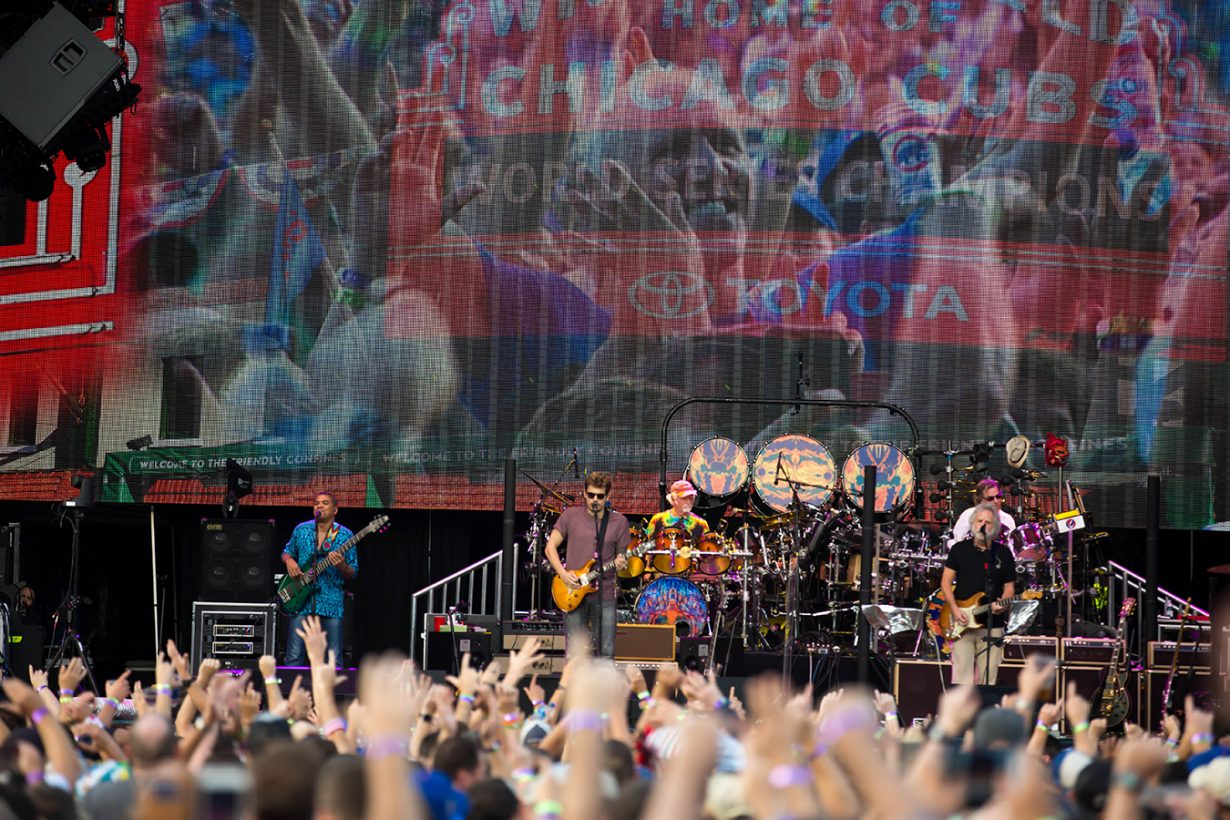 4I0A0939 1230x820 Dead and Company close out their Summer tour at Wrigley Field