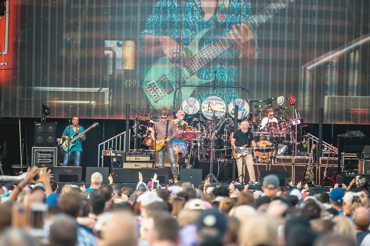 4I0A0960 1230x820 Dead and Company close out their Summer tour at Wrigley Field