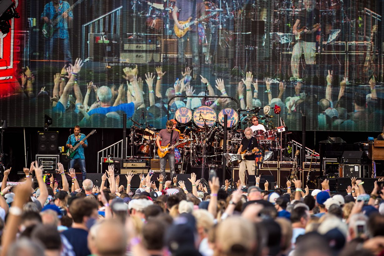 4I0A0978 1230x820 Dead and Company close out their Summer tour at Wrigley Field