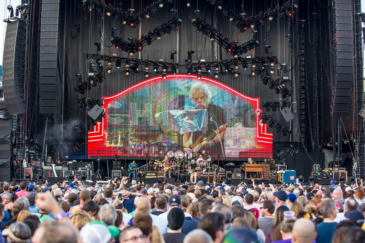 4I0A1020 1230x820 Dead and Company close out their Summer tour at Wrigley Field