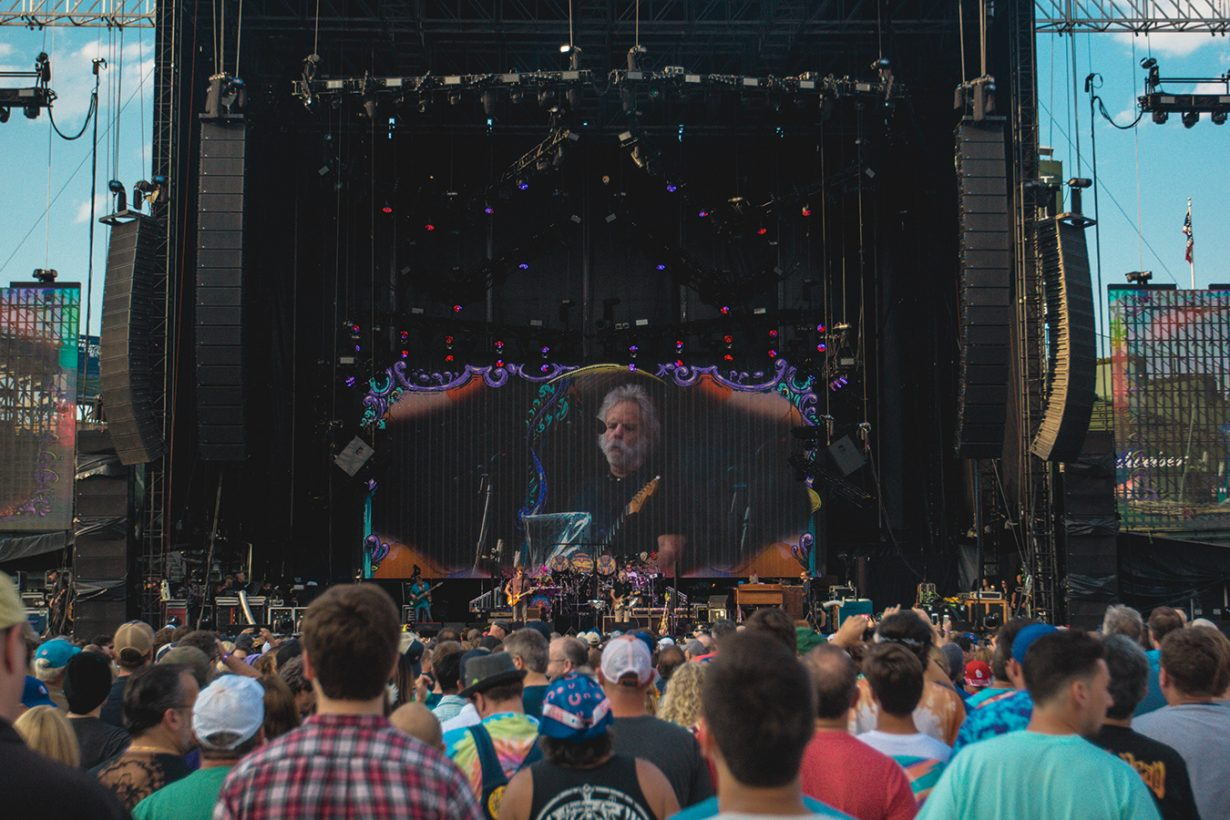 IMG 4644 1230x820 Dead and Company close out their Summer tour at Wrigley Field