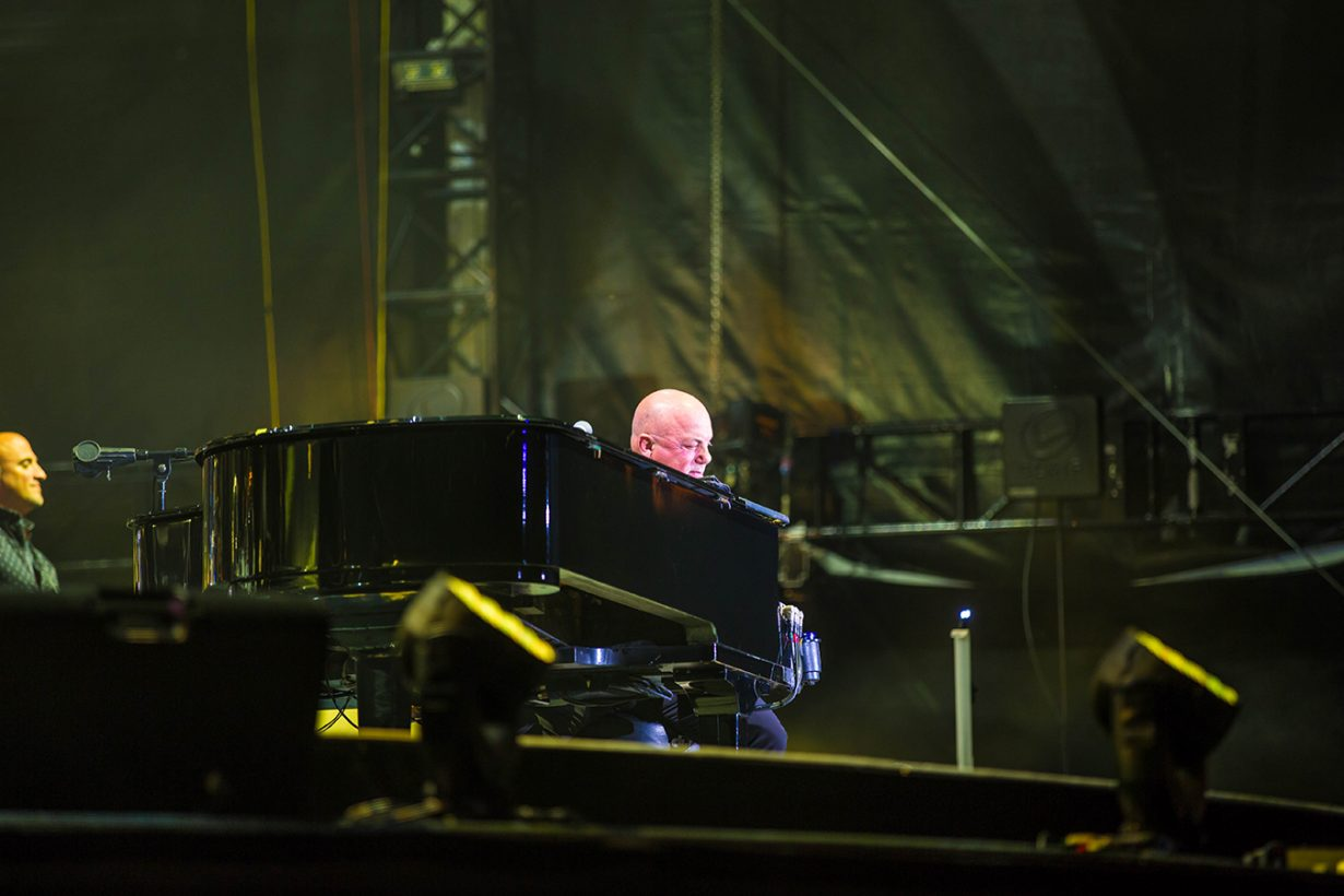4I0A4676 1230x820 Billy Joel Returns to Wrigley With a Night Packed Full of Hits