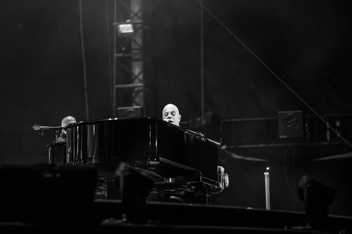 4I0A4688 1230x820 Billy Joel Returns to Wrigley With a Night Packed Full of Hits