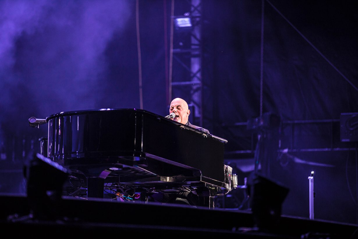 4I0A4730 1230x820 Billy Joel Returns to Wrigley With a Night Packed Full of Hits
