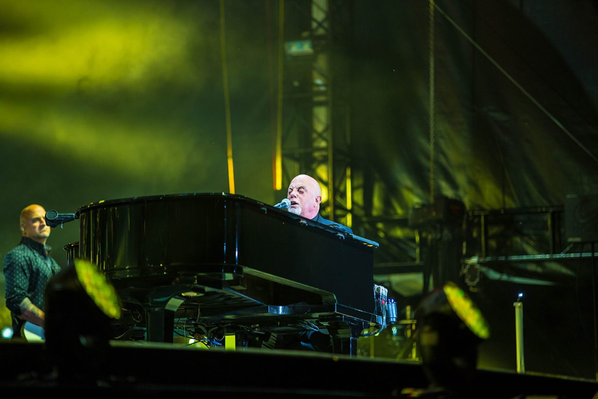 4I0A4745 1230x820 Billy Joel Returns to Wrigley With a Night Packed Full of Hits