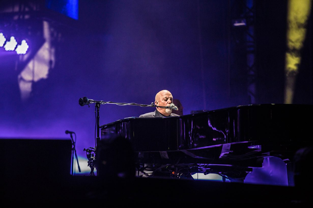 4I0A4936 1230x820 Billy Joel Returns to Wrigley With a Night Packed Full of Hits