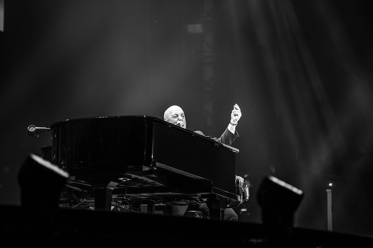 4I0A5017 1230x820 Billy Joel Returns to Wrigley With a Night Packed Full of Hits