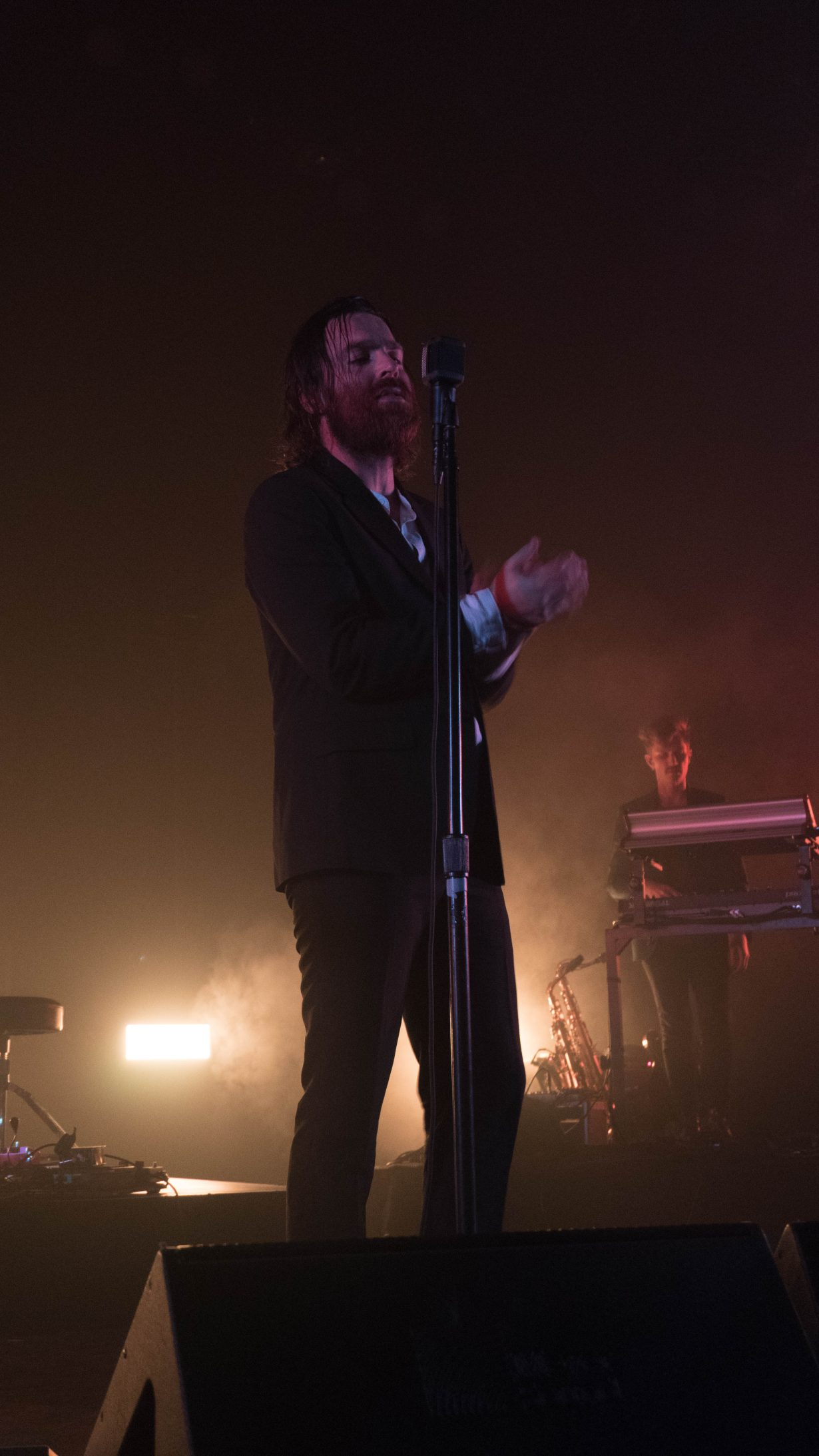 20170929 DSC01244 1230x2186 Nick Murphy Packs the Vic Theatre with a Soulfully Real Performance