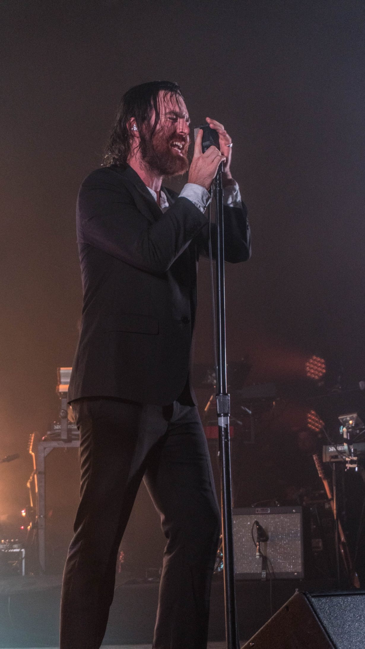 20170929 DSC01249 1230x2186 Nick Murphy Packs the Vic Theatre with a Soulfully Real Performance