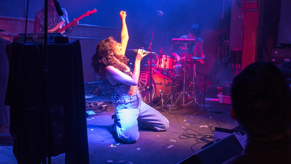 20170930 DSC01629 1230x692 Tei Shi Hits All the High Notes on Her First Headlining Show in Chicago
