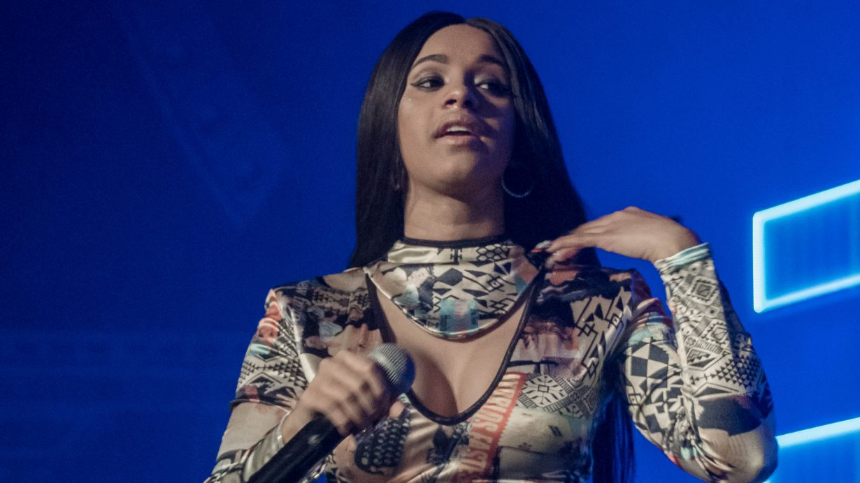 Cardi B. RapCaviar Aragon Ballroom 2017 Chicago Il. Photo by Kevin Baker 7 1230x692 RapCaviar Sets Chicago On Fire with Lil Uzi Vert, Playboi Carti, Cardi B, DJ Drama and More