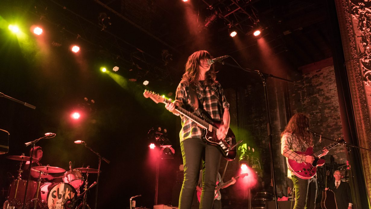 DSC02089 1230x692 Courtney Barnett and Kurt Vile Rock Out on 2nd Sold Out Chicago Show at Thalia Hall