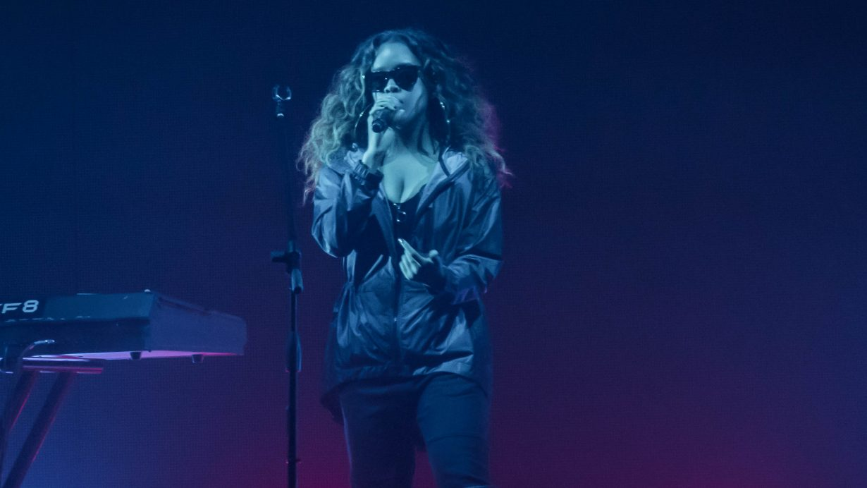 H.E.R. Aragon Ballroom 2017 Chicago Il. Photo by Kevin Baker 3 1230x692 Photos: Chicago Music Photo Gallery of 2017 Take a Look Through Our Lens