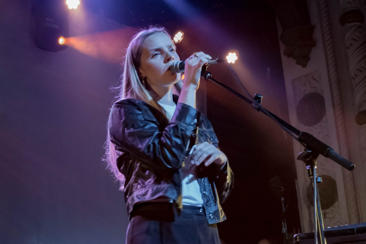 Charlotte Day Wilson. Red Bull Sound Select 2017 Chicago Il. Photo by Kevin Baker 18 1230x820 Syd Brings Understated Sexiness to the Metro with Red Bull 30 Days in Chicago