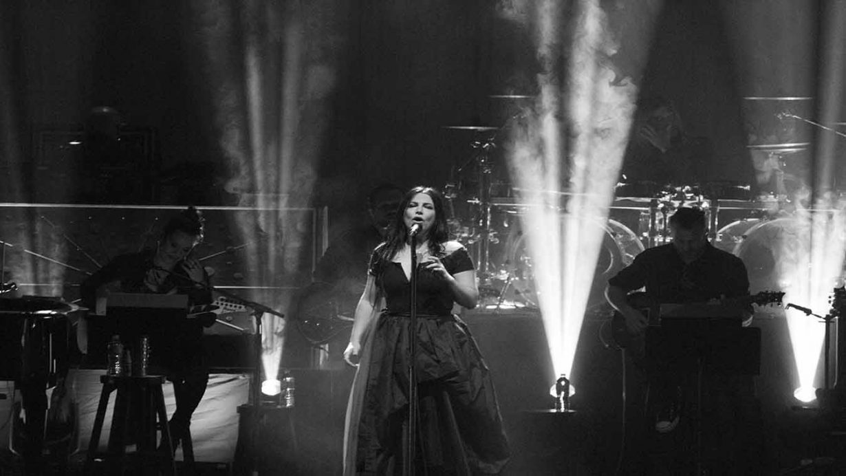 Image 7 1230x692 Evanescence Synthesis Tour Live at The Chicago Theater