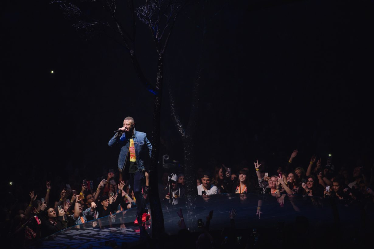 UnitedCenter JustinTimberlake JFrank 12 1230x820 Justin Timberlakes Man of the Woods Tour set Chicago on Fire with the Tennessee Kids