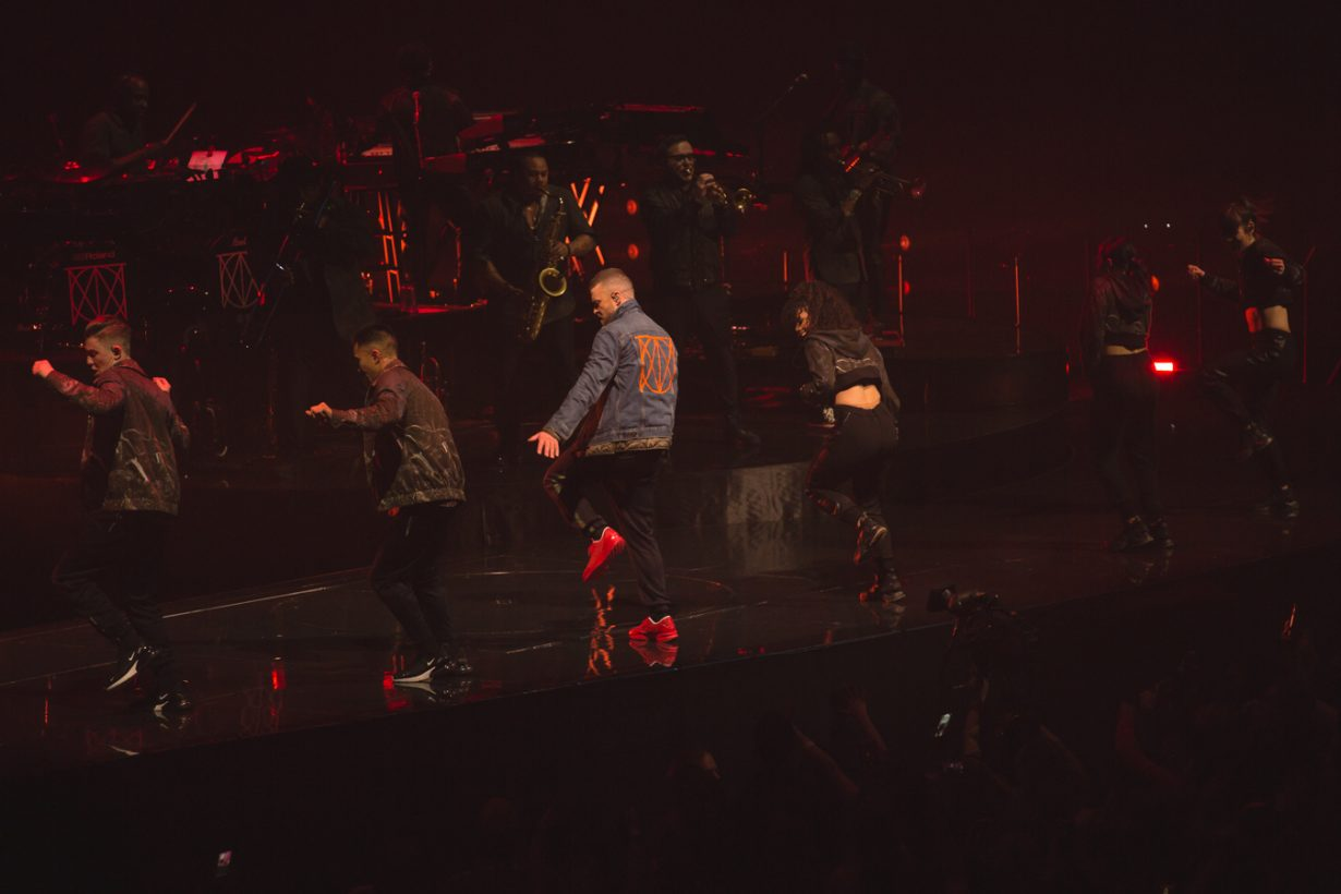 UnitedCenter JustinTimberlake JFrank 18 1230x820 Justin Timberlakes Man of the Woods Tour set Chicago on Fire with the Tennessee Kids