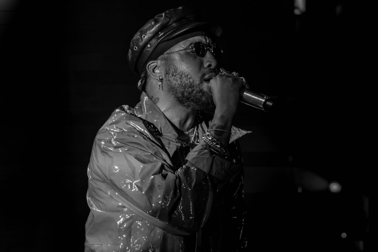 Ro James. Lincoln Hall. Chicago IL. 2018. Photo by Kevin Baker. Chicago Il 9 1230x820 The RnB Tour with Ro James and BJ The Chicago Kid Delivers Melodies from Lincoln Hall
