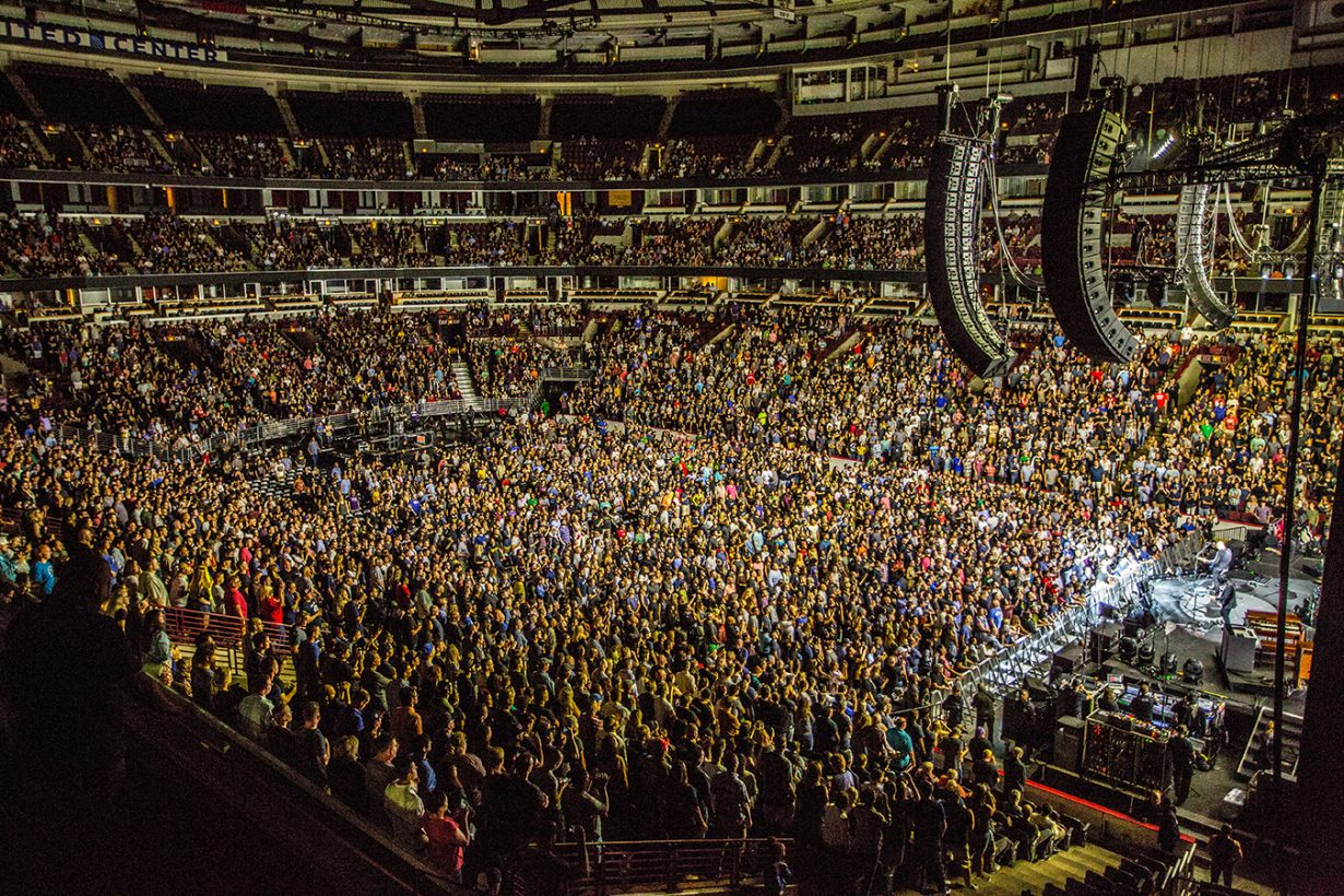 4I0A0653 1230x820 Smashing Pumpkins pack the United Center for their hometown shows