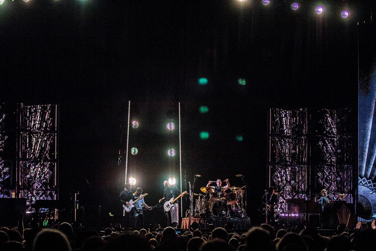 IMG 7560 1230x820 Smashing Pumpkins pack the United Center for their hometown shows