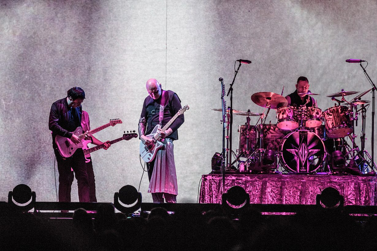 IMG 7808 1230x820 Smashing Pumpkins pack the United Center for their hometown shows